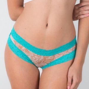 Bloomingdale's Other - ❗️1 LEFT Bloomingdales Columbian Lace Teal Panty