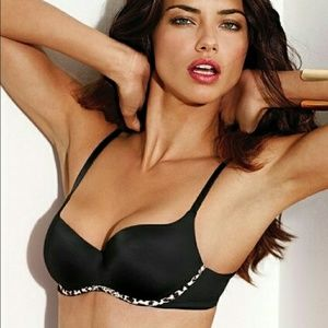 I AM LOOKING FOR THIS BRA DO NOT PURCHASE