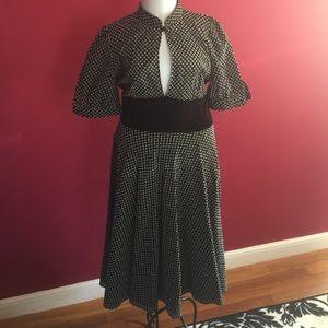 Dresses & Skirts - Keyhole Barney's dress