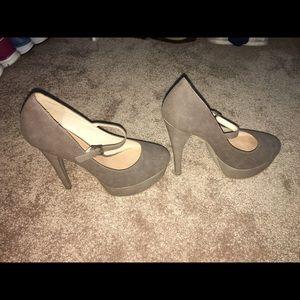 JustFab heels size 9