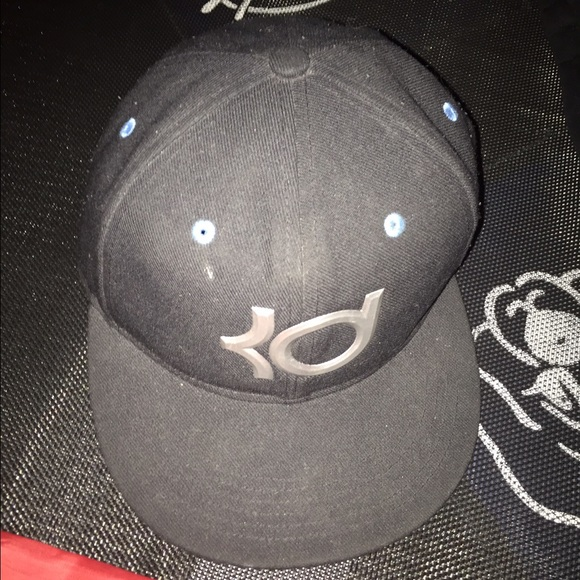 Boys Nike KD hat one size fits most.