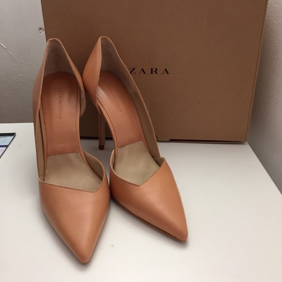 05b1681368e ZARA tan asymmetric court heels shoes. M 5880e0482599fec8ab006de2