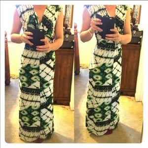 Dresses & Skirts - Maxi dress!