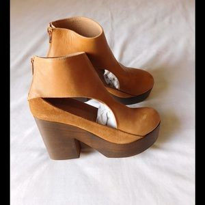 Free People Shoes - Leather! Majestic Tan-Brown Booties W/Back Zipper