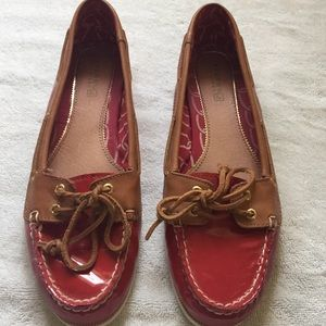 Red patent leather SPERRY TOP-SIDER size 8