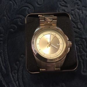 Men's gold toned Fossil watch.