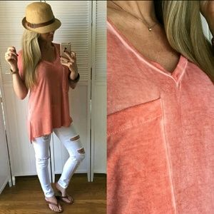 Boutique Tops - ✨HP✨ BOUTIQUE tee
