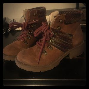 Shoes - Fall/winter Boots