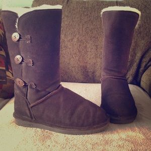 BearPaw Shoes - Bearpaw 🐻 size 9 boots