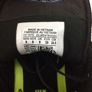 3e176b66dba6 Converse Shoes - 🎉HP🎉 Converse High Top Sneakers Shoes 8 NEW Camo