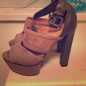 lamb Shoes - Lamb suede sandals