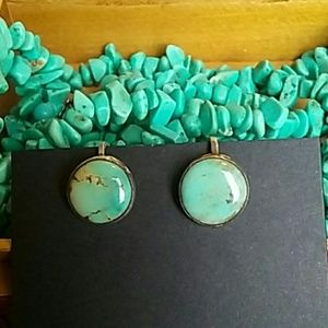 Jewelry - Vintage Turquoise Screw Back Earrings