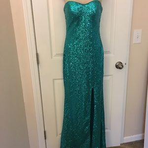 Jump Dresses & Skirts - NWT Strapless Teal Prom Evening Dress