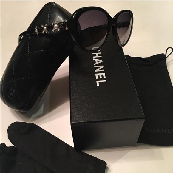 cc1c4c6e25 CHANEL Accessories - Chanel cat eye polarized Bijou sunglasses