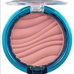 Physicians Formula Other - Physicians formula mineral wear airbrushing  blush