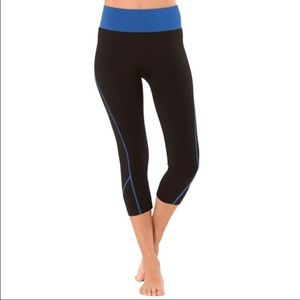 Electric Yoga Pants - ✂️pricecut✂️Capri yoga pants