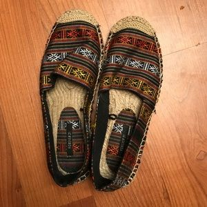 Shoes - Size 7 forever 21 slip ons