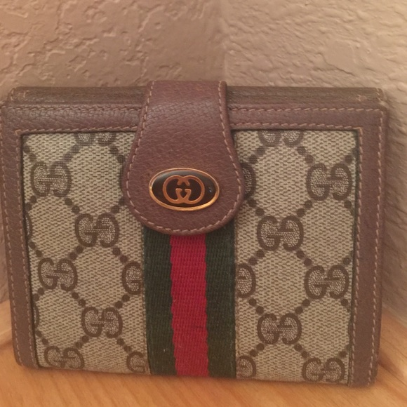 e4435e6668c Gucci Handbags - 🎉🎉sale🎉🎉 authentic Vintage Gucci wallet