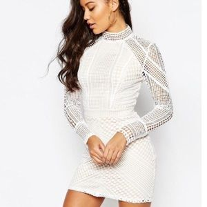 MISSGUIDED Premium Structured high neck lace Mini