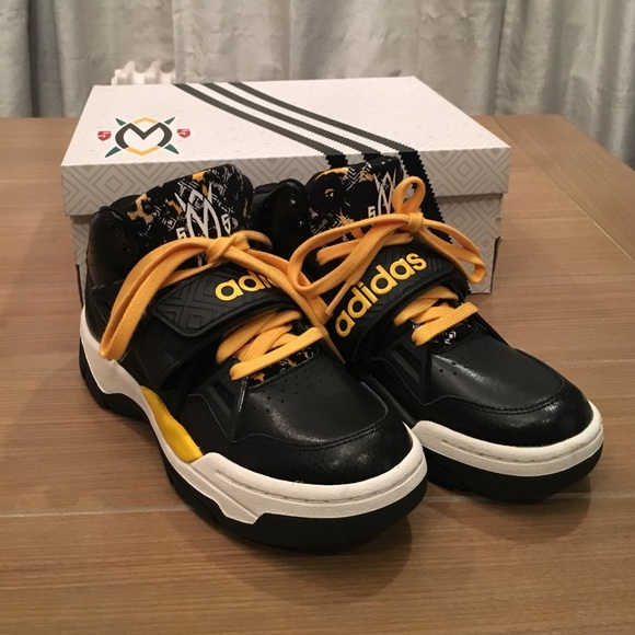 low priced 5997b 7b580 Adidas Other - Adidas Mutombo TR Block Sneakers Size 61 2 boys