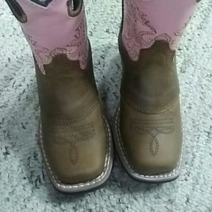 smoky  Other - New kids cute pink sq. Toe boots