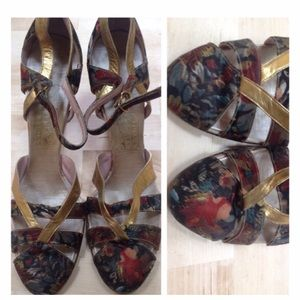 Fab Vintage tapestry gold leather heels