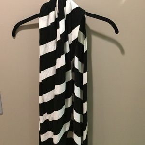 Tarnish Black and white striped wool/cotton scarf