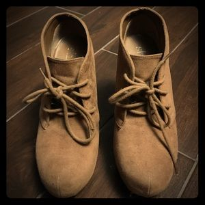 Shoes - Tan suede booties