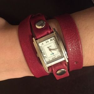 Red La Mer wrap watch