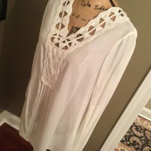Sophie Max Tops - NWOT white Sophie Max tunic top in Small