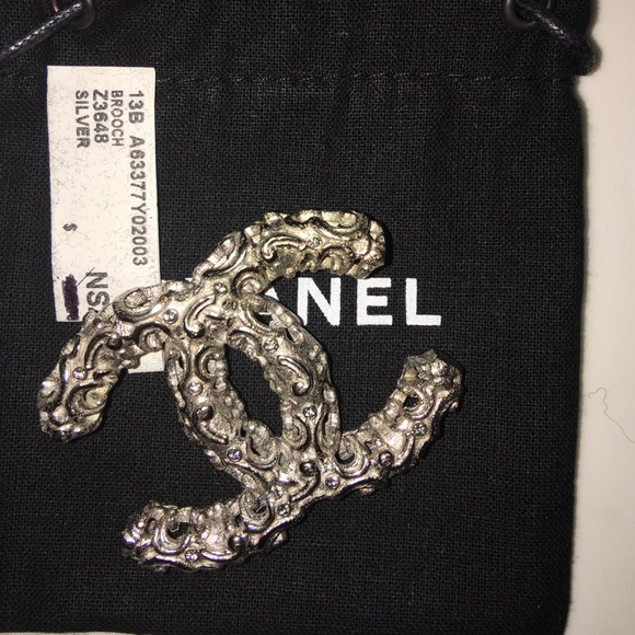 b0420564e8e Chanel brooch pin silver Z3648 new