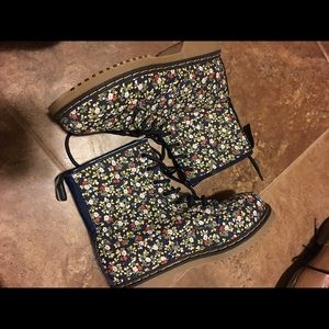 Link Other - Floral combat boots