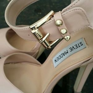 cf5a4371fac Steve Madden cream color high heels shoes 6.5