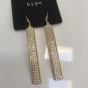 Hype Jewelry - Gold long stick crystal earrings dangle