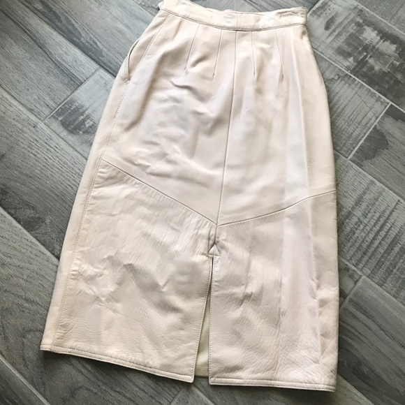 Siena Skirts - Soft pink leather skirt