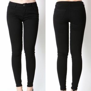 Denim - -Essential Black Jeans