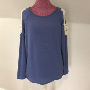 SIVA Tops - SIVA Cold-Shoulder Shirt