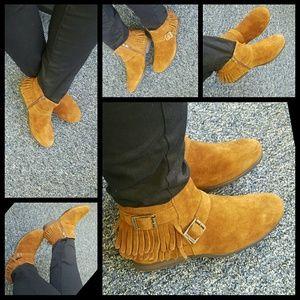 Minnetonka Shoes - 🎉NEW LISTING🎉Minnetonka Rancho Boots 8.5