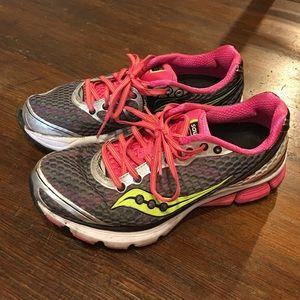 Saucony Triump-10 power grid run shoe