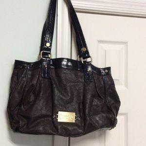 Simply Vera hand bag