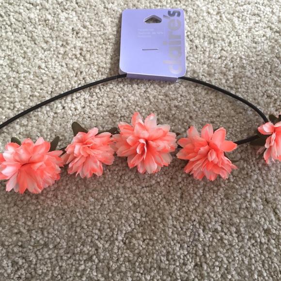NWT Flower crown headband Claire s NWT 35b1ec1e587