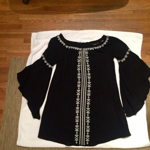 Cecico Tops - Cecico Black Bell Sleeve Tunic with White Trim