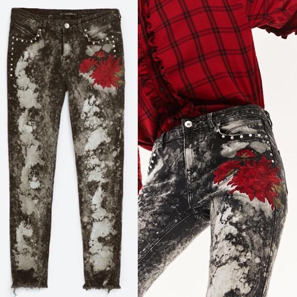 483aa182e0 Zara Studded Embroidered Jeans NWT
