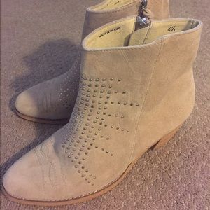 LF Shoes - SOLE CHILD Size 8.5 booties