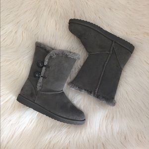Shoes - Gray Classic Short Sherpa Bailey Button Boots 8