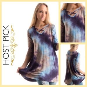 Tops - ⭐️1LEFT ⭐️HP ⭐️Criss cross tie dye Tunic 🌼