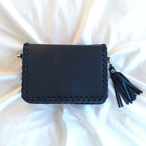 GlamVault Handbags - New! Black Whipstitched Vegan Leather Crossbody