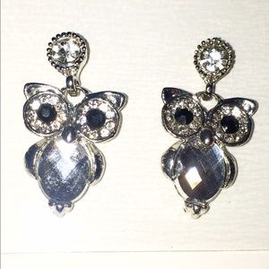 Super cute owl earrings