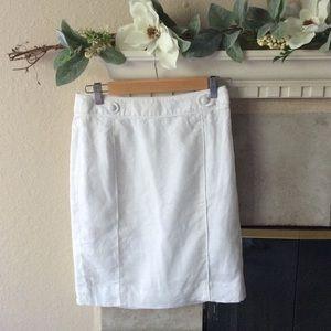 SPRING SALEBanana Republic white linen skirt