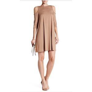 bobeau Dresses & Skirts - ❤Final Sale❤Bobeau Cold Shoulder Dress NWT